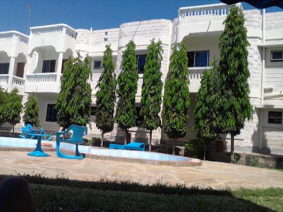 Jacyjoka Apartments: The Back