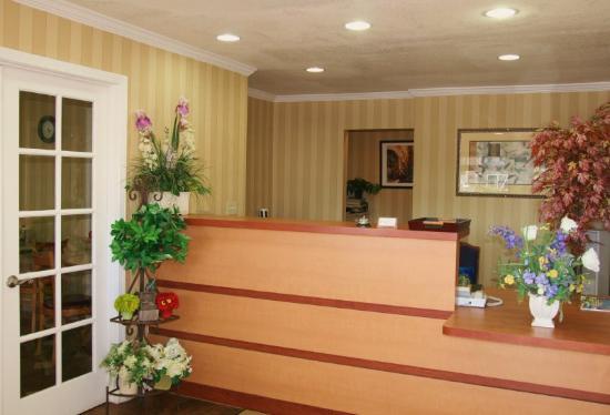 Rodeway Inn - Encinitas: Lobby