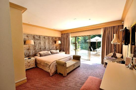 House of Pharaohs Boutique Guesthouse & Conference Centre: 14 Luxury rooms with on suite bath & showers