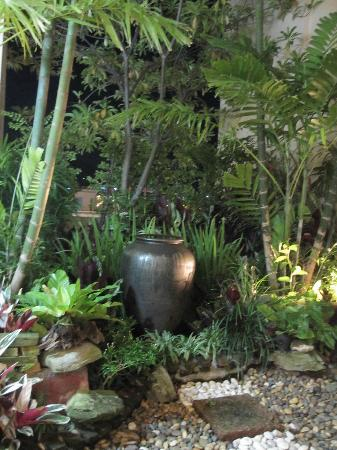 Millennium Resort Patong Phuket: beautiful gardens