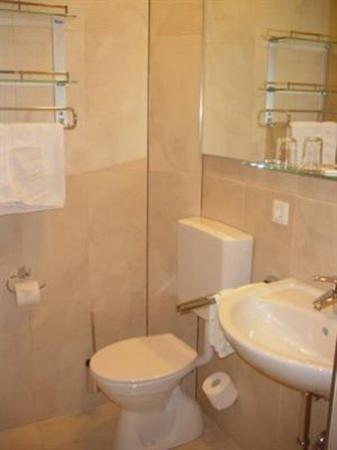 Gasthof Meyer: Bathroom View