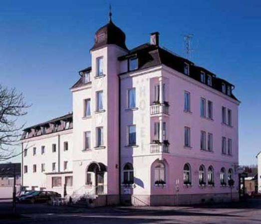 Hotel Grader