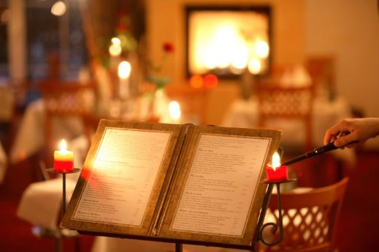 Vital & Wellnesshotel zum Kurfuersten: Restaurant With Fire Place