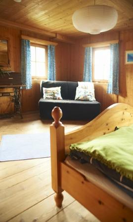 Bluebird Mountain Hostel: Bluebird inside