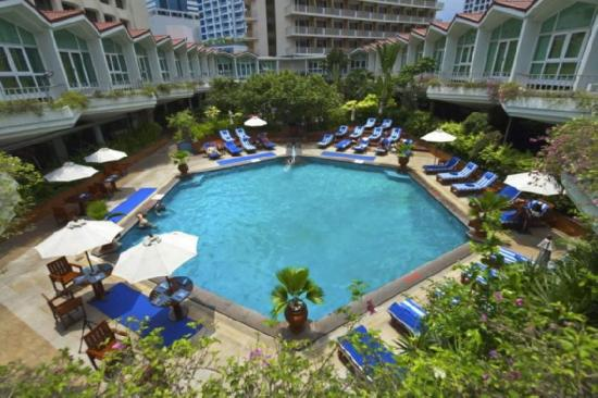 Dusit Thani Bangkok: Swimming Pool