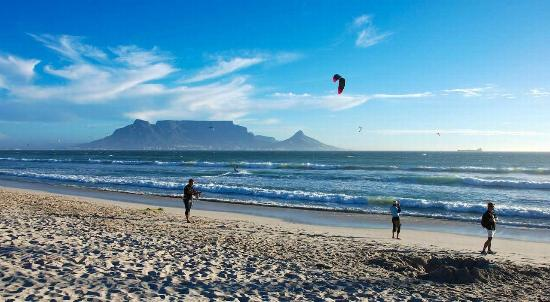 Cape Town Seamore Express Tours and Guesthouse: Blouberg Beach - with Seamore-Express Tours and Guesthouse