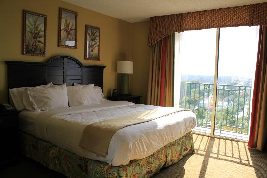 Embassy Suites by Hilton Fort Lauderdale 17th Street: Schlafzimmer mit Traumbett