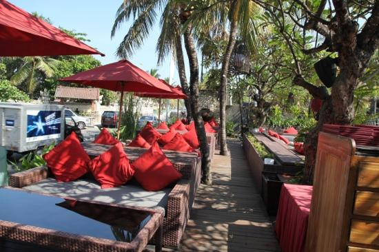 Kuta Seaview Boutique Resort & Spa: lounges