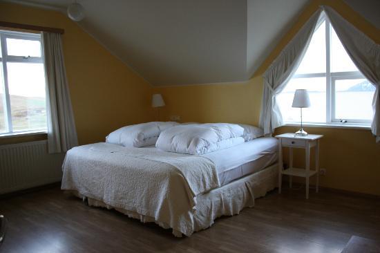 Hotel Reykjahlid: Wonderful corner room on top floor!