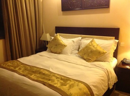 Royal Court Hotel Shanghai: Room 607