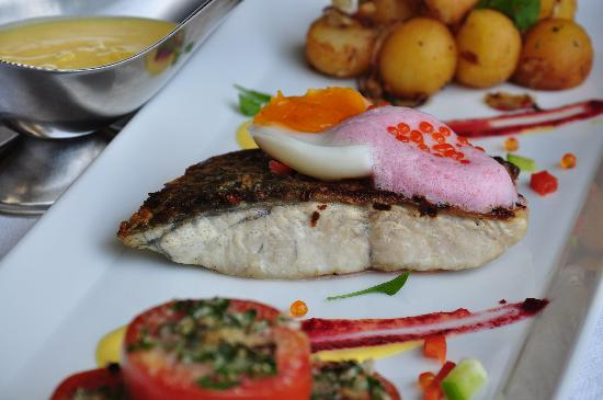 Horn Grill Steakhouse : Grill Seabass Steak with Saffron Sauce