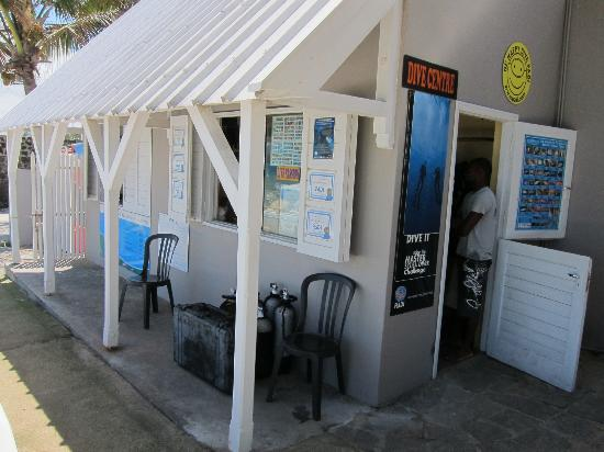 Tropical Attitude: dive center