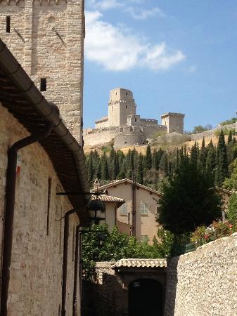 Appartamenti vacanze il Turrione: vista sulla rocca da casa