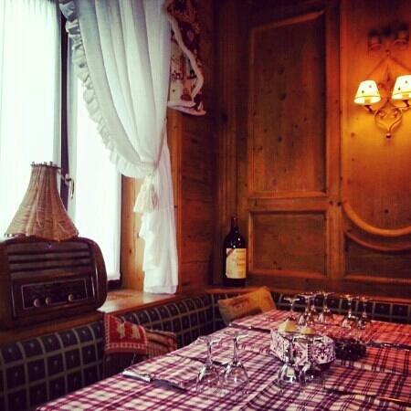 La Taverna Valtellinese : locale accogliente