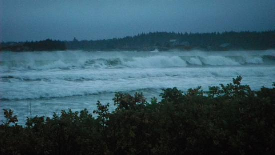 Ocean Mist Cottages: The power of the waves