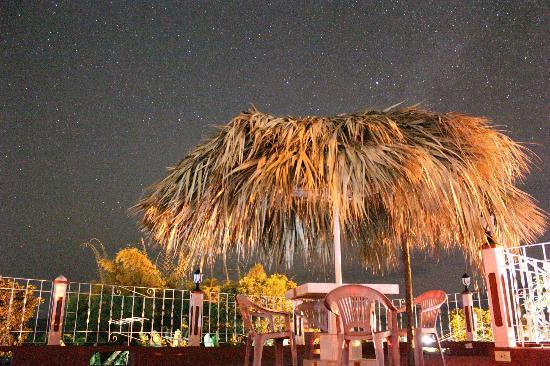 Casa Particular Ridel y Claribel: Dachterrasse bei Nacht