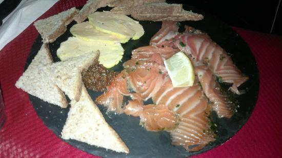 La Fine Heure: saumon mariné, foie gras