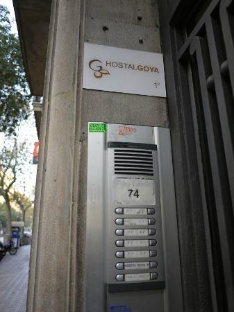 Hostal Goya: 入り口の目印!