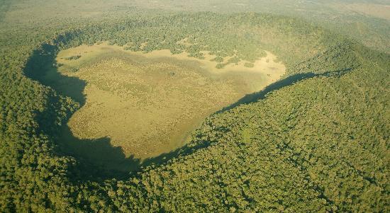 Hatari Lodge: Trekking Ngurduto crater