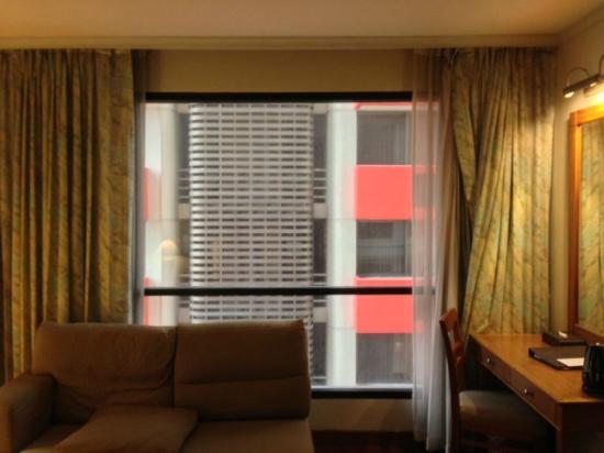 バンダラスイーツシーロム, 窓からの景色