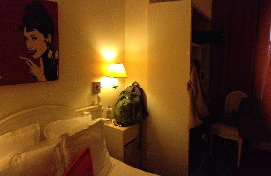 Aston Hotel Paris: Room