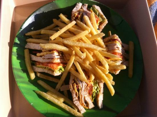 Atlantis, The Palm: Disappointing club sandwich w/ fries. Average.