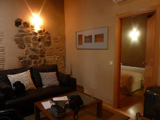 Apartamentos turisticos Casas de los Reyes: Гостинная