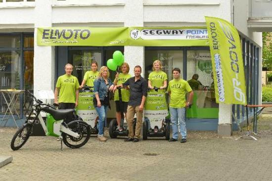 Freiburg im Breisgau, Germany: Das Team vor unserem Shop