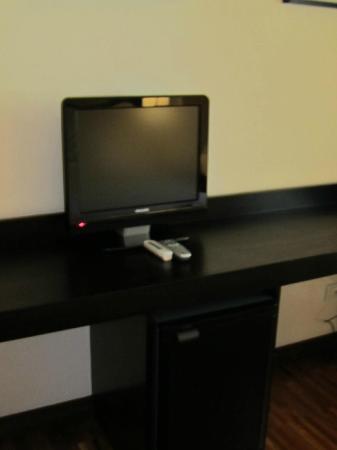 SuiteDreams Hotel: TV