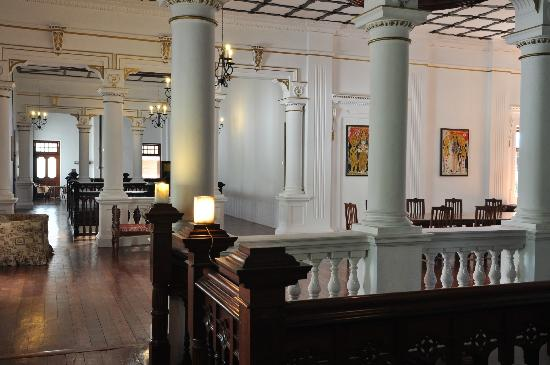 The Mansion : lobby