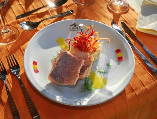 Canela Restaurant: trucha en tempura de rosa mosqueta con rissotto de limón y salsa citrica