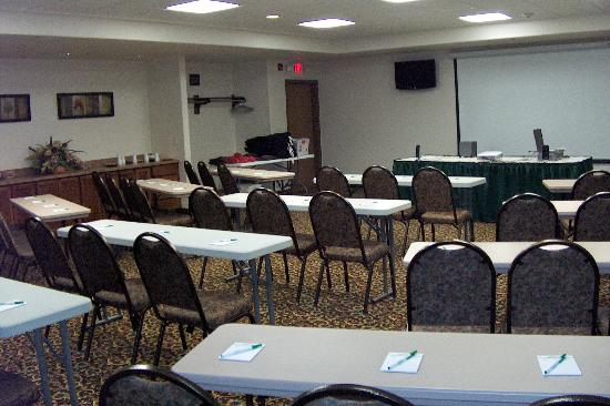 Expressway Suites of Fargo: Business Meetings