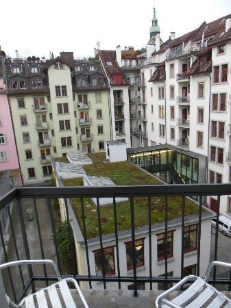 Hotel Waldstätterhof: Balcony view