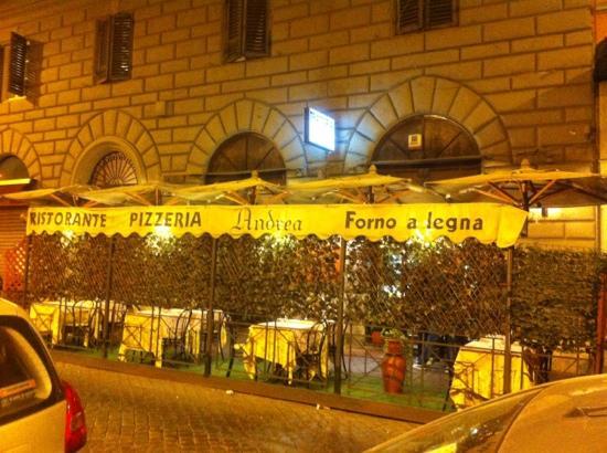 Ristorante Pizzeria Andrea: Fachada del Andrea por www.menudeviaje.com
