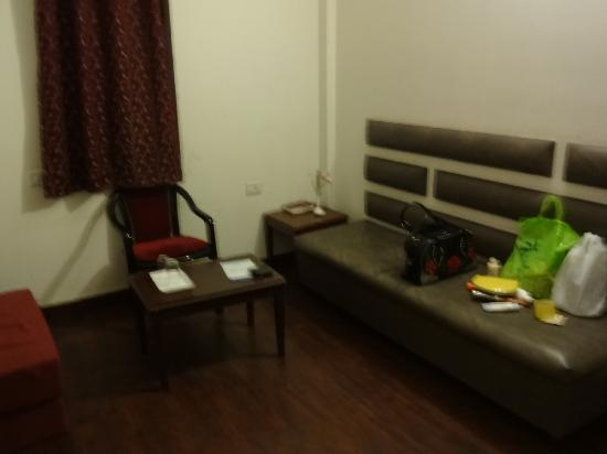 Hotel Grand Shoba: sit out area