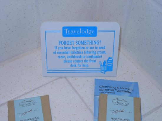 Durango Travelodge: Sign next to sink offering to help guests...but they don't!!