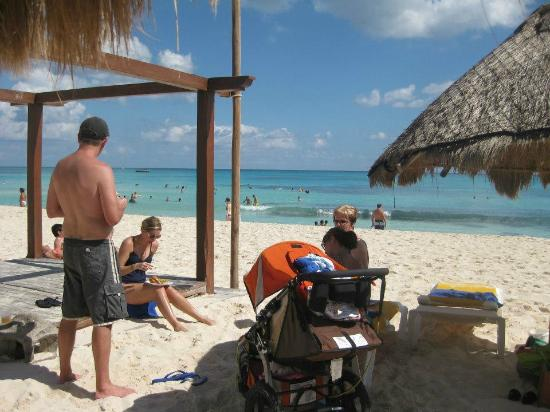 Iberostar Paraiso Maya: Snacks on the beach!