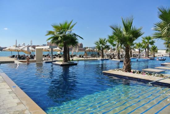 Fairmont Bab Al Bahr: Pool