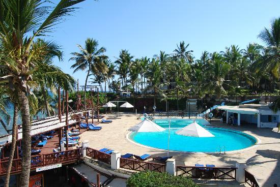Voyager Beach Resort: Main pool
