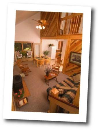Opossum Creek Retreat Cabin Rentals: El Gordo