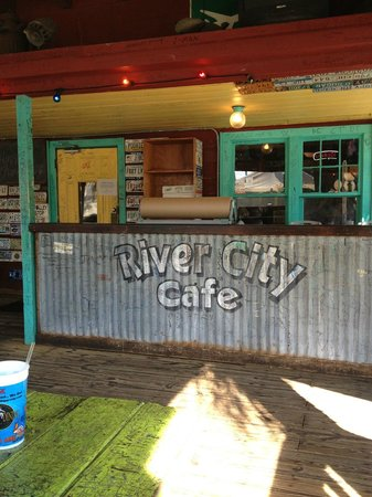 River City Cafe: View from the outside deck