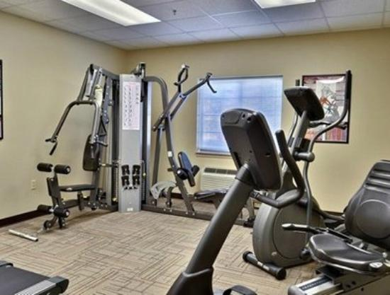 Suburban Extended Stay Hotel: Fitness Facility
