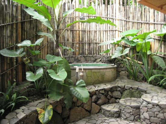 La Fortuna at Atitlan : Outdoor bath!