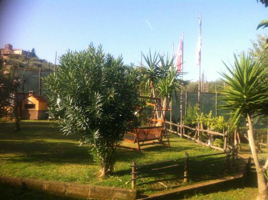 Casale Antonietta: Giardino casale