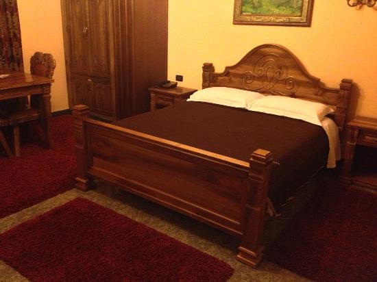 Hotel Brilant Antik: Stanza da letto