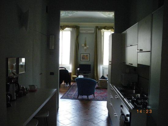 Palazzo Alfani al David: View across the kitchen onto the living-room