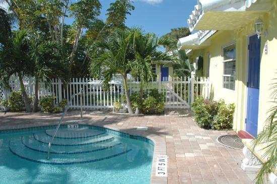 Bahama Beach Club Apartments: Bahama Beach Club Pool