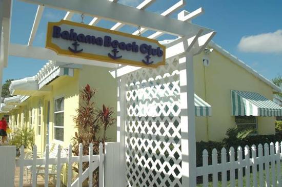 Bahama Beach Club Apartments: Bahama Entry