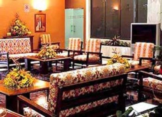 Hotel Triunfo Granada Sur: Hall
