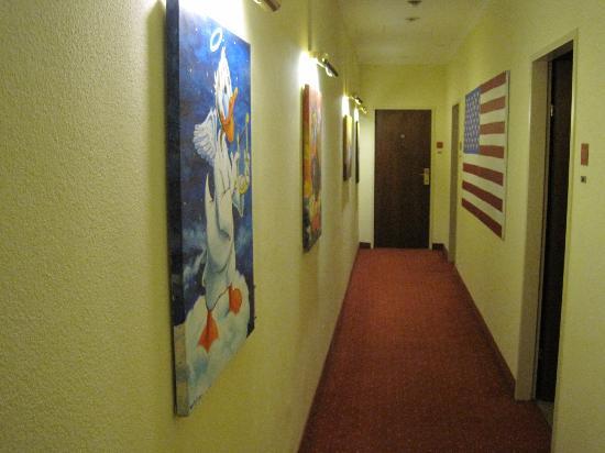 Small Luxury Hotel Das Tyrol: Zimmergang